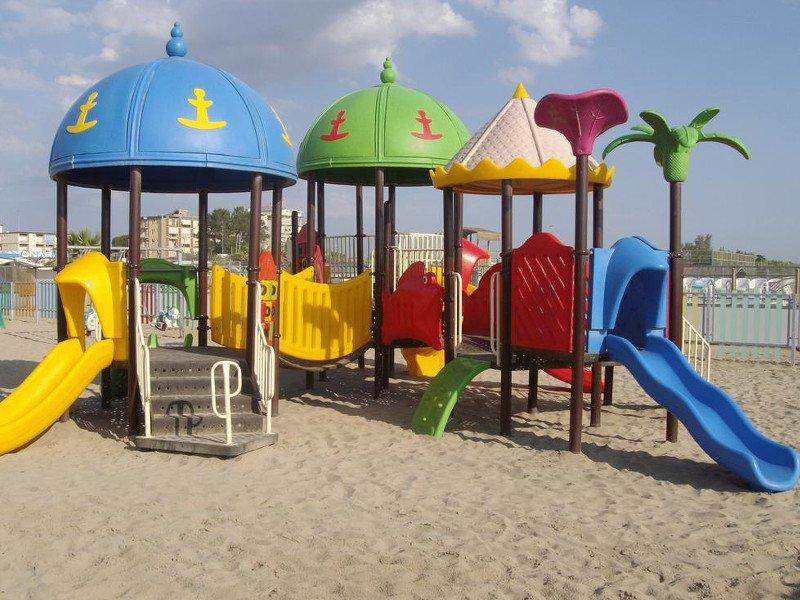 Parco giochi in spiaggia